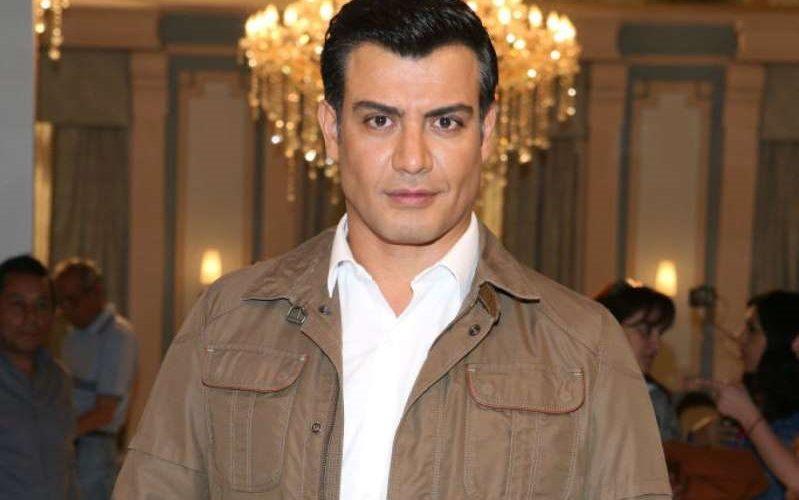 Andrés Palacios da positivo a Covid-19