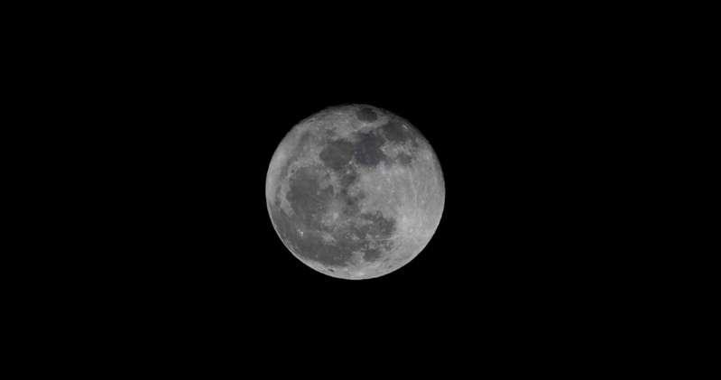 Científicos aseguran que hay agua en la luna