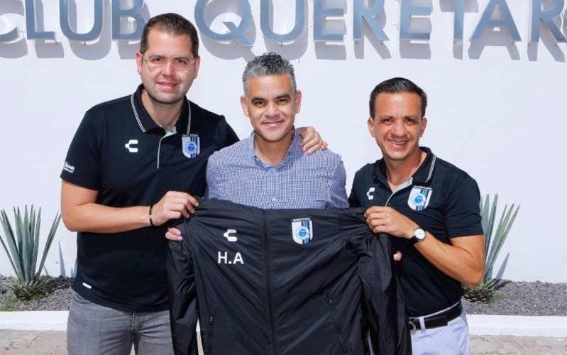 Héctor Altamirano llega al Querétaro