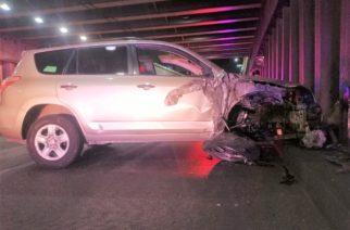Ebrio destrozó camioneta al chocar en paso a desnivel de Circunvalación Poniente