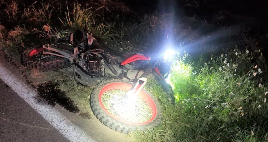 Conductora choca a dos motociclistas en Tepezalá