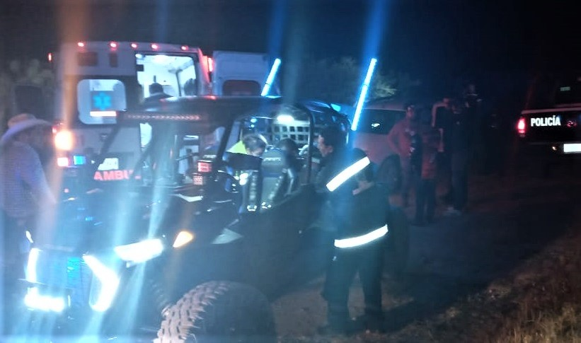 Jóvenes salen lesionados tras volcar su razer en San José de Gracia