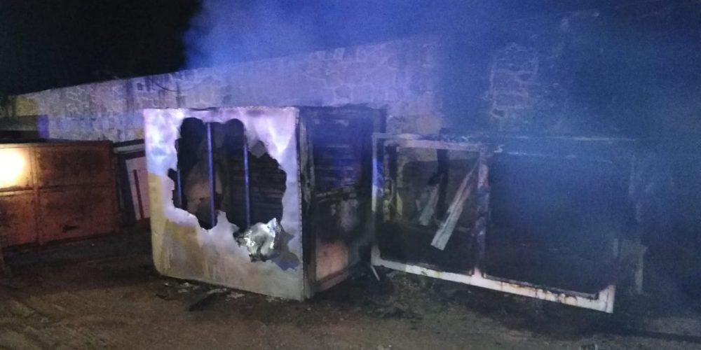 Sofocan incendio en una chatarrera de Aguascalientes