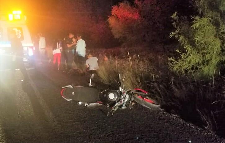 Choque entre moto y bicicleta deja 2 muertos en Tepezalá