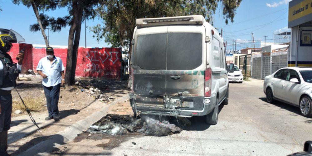 Se incendia ambulancia en Prados del Sur