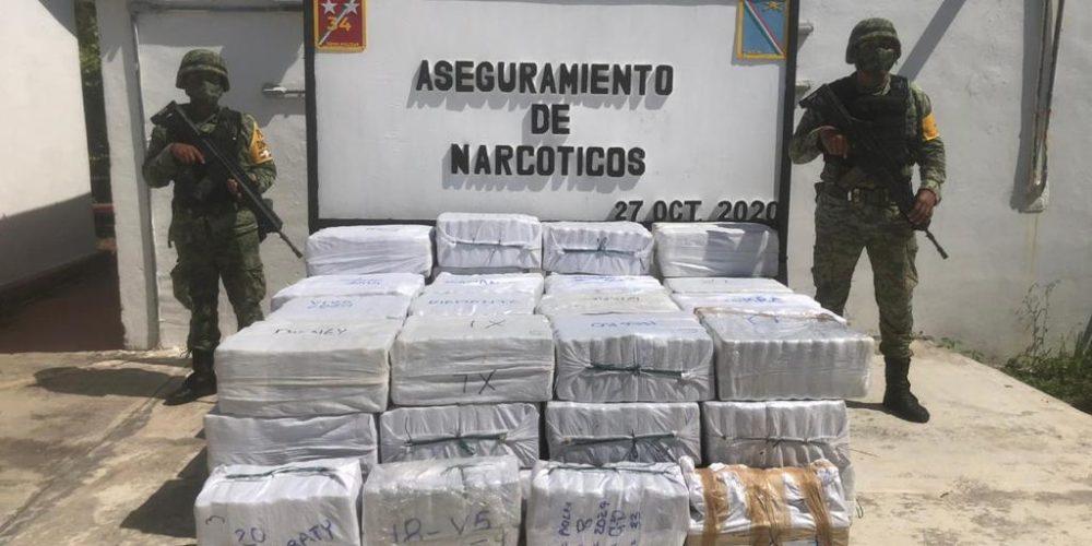 Ejército y Fuera Aérea aseguran aeronave y una tonelada y media de cocaína en Quintana Roo