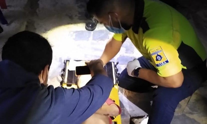 Rescatan a niño de 6 años que cayó en un pozo de Tepezalá
