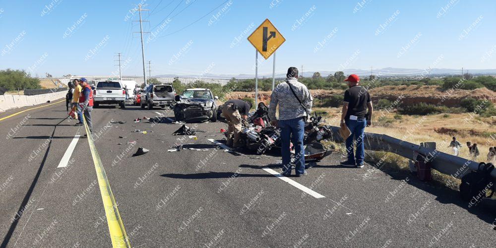 Un motociclista muerto y dos heridos deja accidente en Cosío