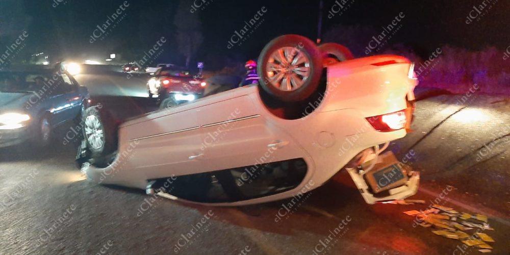 Falta de alumbrado y señalética provocan accidente vial en Calvillito