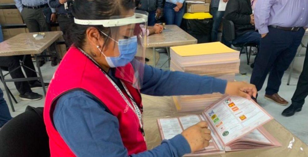 """PRI se declara ganador en Coahuila y Morena señala """"trampa"""""""