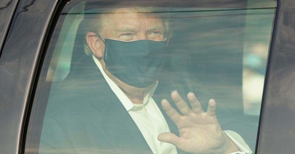 Donald Trump anuncia que saldrá del hospital este lunes