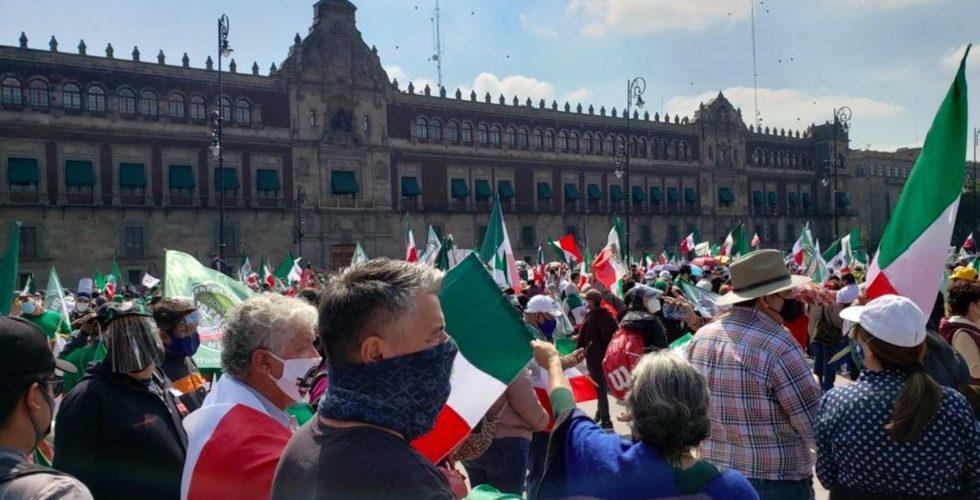 (Videos)FRENAAA realiza movilización para exigir que AMLO renuncie al juntar a más de 100 mil personas