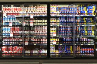 Suspenden venta de 19 marcas de queso y yogurt por no tener leche