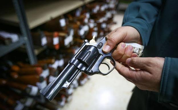 Manipulaba una pistola y se dio un balazo en sus genitales en Norias de Ojocaliente