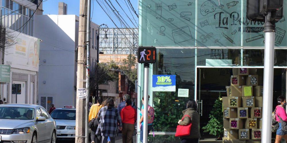 Instalan semáforos inteligentes en la zona centro de Aguascalientes