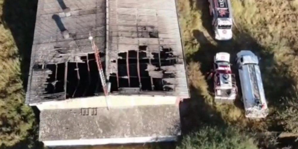 Se registra incendio en nave industrial de Rincón de Romos
