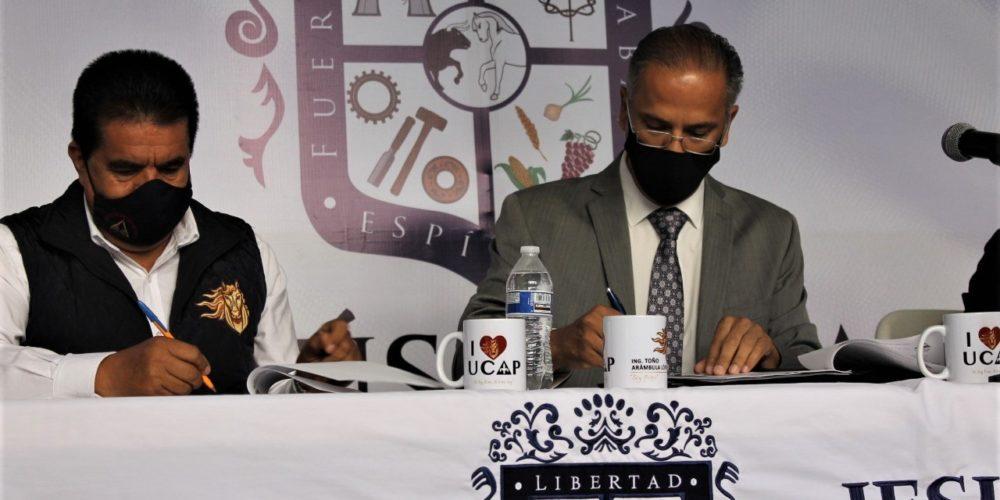 Firman acuerdo educativo JM e Instituto Universitario