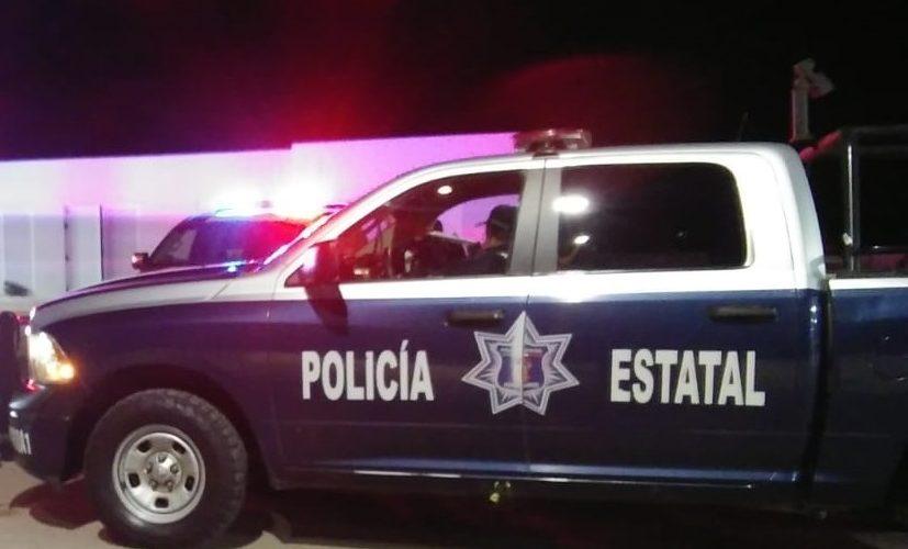 Policías apoyan a mujer en labor de parto
