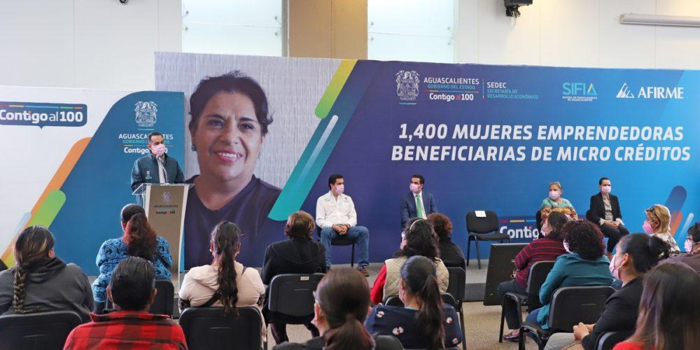 Gobierno de Aguascalientes anuncia microcréditos para mujeres
