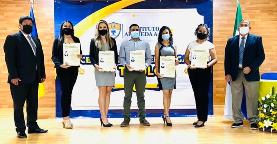 Realiza el Instituto Alameda entrega de títulos a egresados de maestría