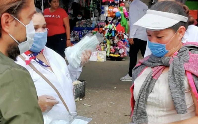 Fundación Arturo Ávila entrega cubrebocas y despensas