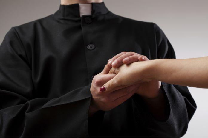La historia del celibato en la Iglesia y sus clérigos