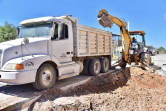 Municipio realiza trabajos de rehabilitación de alcantarillado en la López Portillo