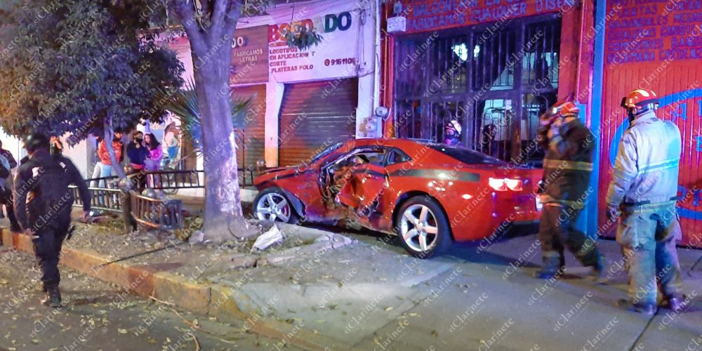 Borracho deja herida a su novia y destroza vehículo de 1 mdp en López Mateos