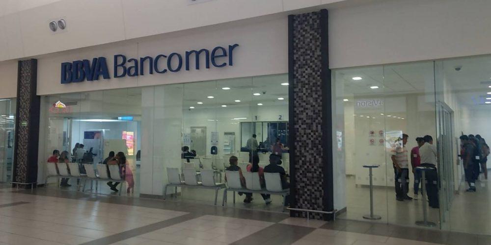 Asaltan a mujer y le quitan 40 mil pesos en centro comercial de Aguascalientes