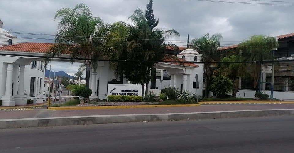 ¡Millonario robo! Se llevan caja fuerte con 3 mdp de  Residencial Río San Pedro