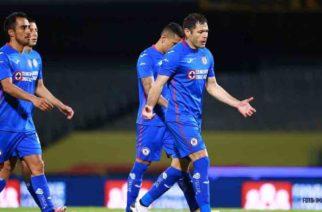 Vestidor de Cruz Azul se llenó de insultos tras eliminación ante Pumas