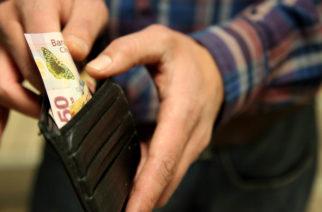 Aumento al salario mínimo elevará 20% el costo de prestaciones de empresas: Contadores