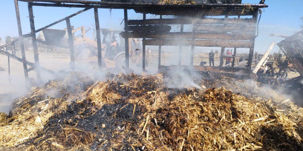 Se incendia remolque en Pabellón de Arteaga