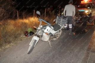 Peatón agoniza tras ser atropellado por motociclista en Héroe Inmortal