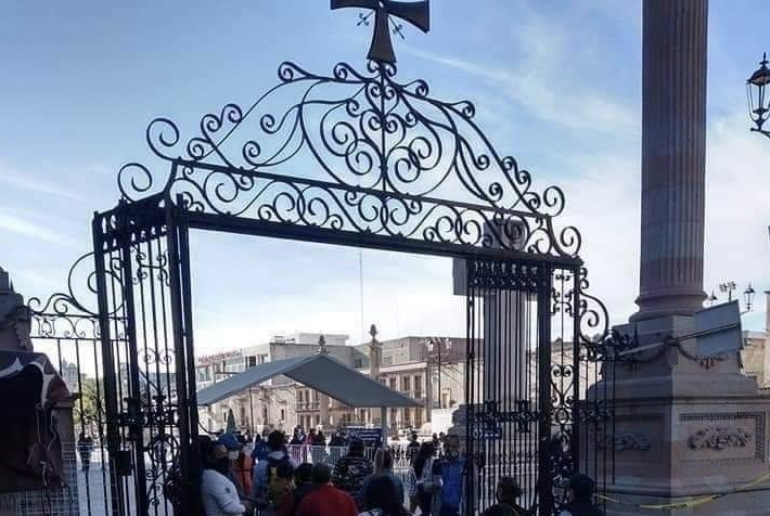 Les vale el #QuédateEnCasa y van peregrinos a catedral de San Juan