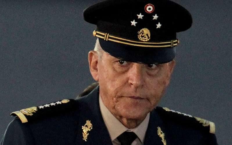Exonera FGR al General Salvador Cienfuegos