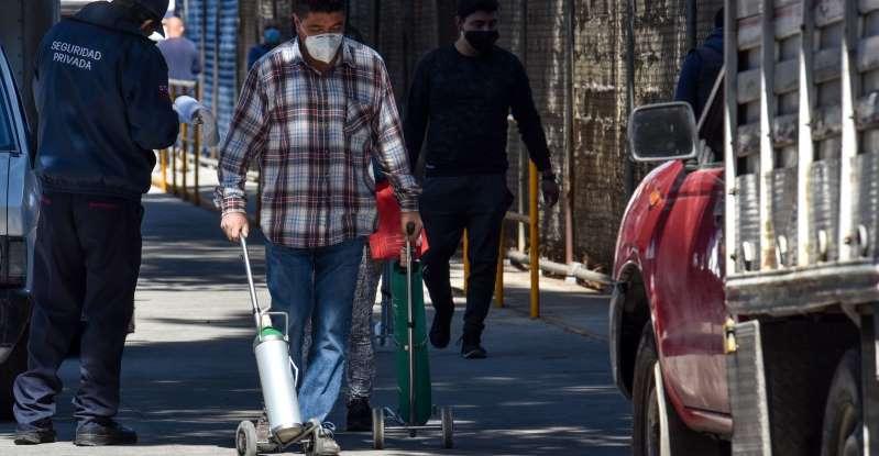 Advierten sobre fraudes en la compra de tanques de oxígeno por internet