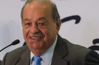 El empresario Carlos Slim continúa hospitalizado por covid-19