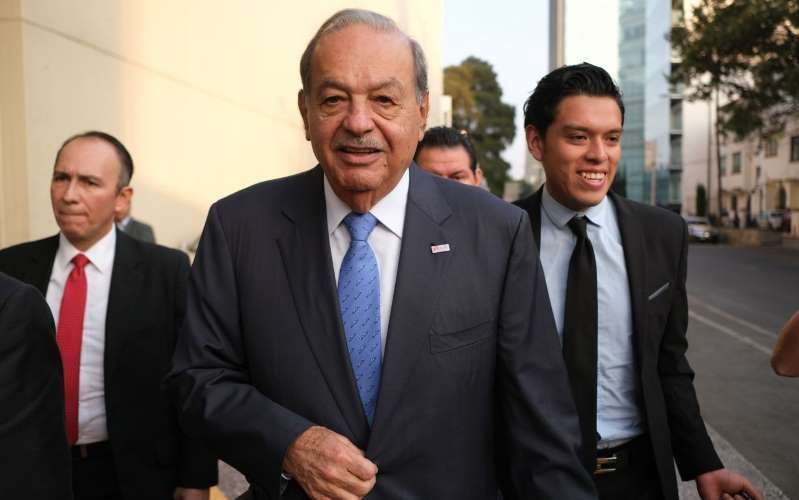 Dan de alta a Carlos Slim tras recuperarse de covid