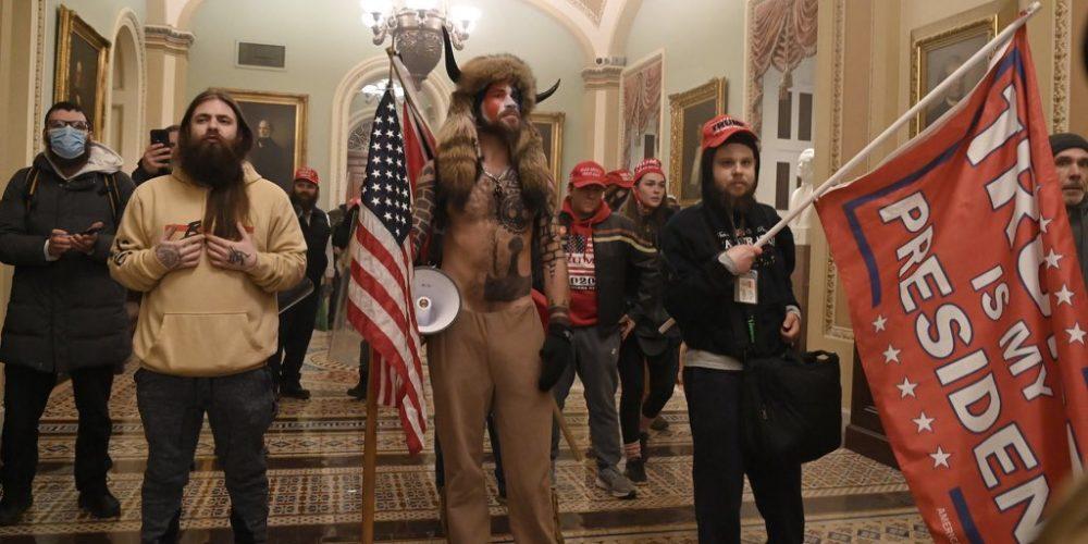 Seguidores de Trump asaltan el Capitolio