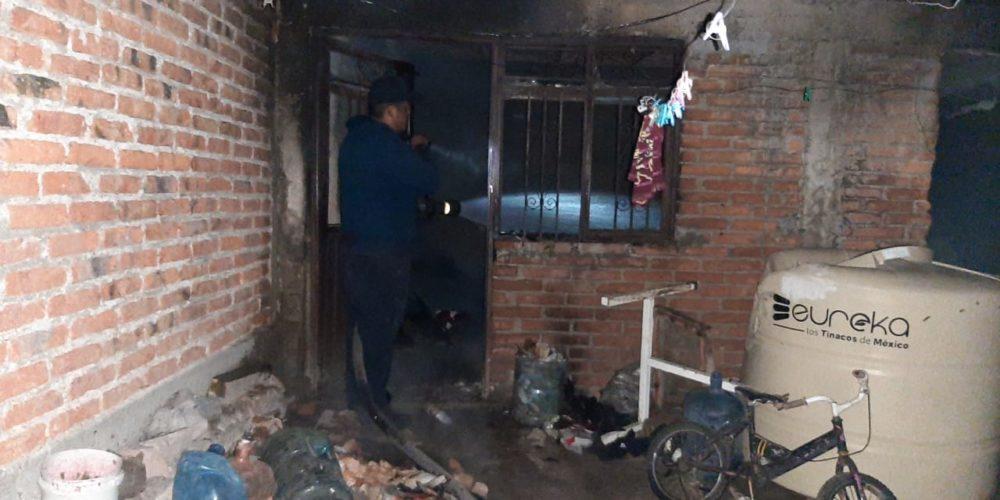 Bomberos y policías sofocaron incendio domiciliario en el municipio de Jesús María