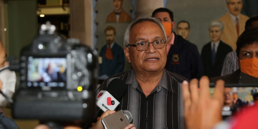 Burócratas de Aguascalientes quieren 5% de aumento salarial
