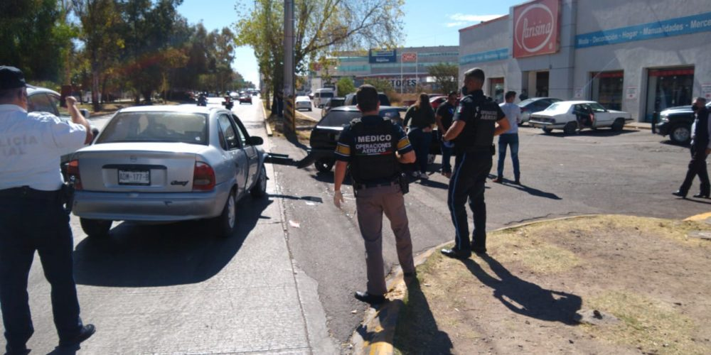 Choque por alcance deja tres menores lesionados en Aguascalientes
