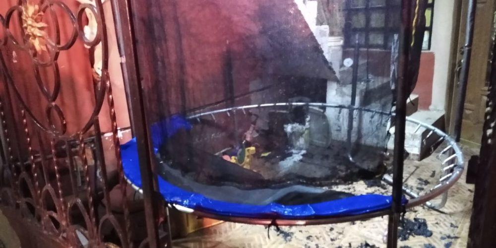 Pirotecnia provoca incendio en un domicilio de Fundidores