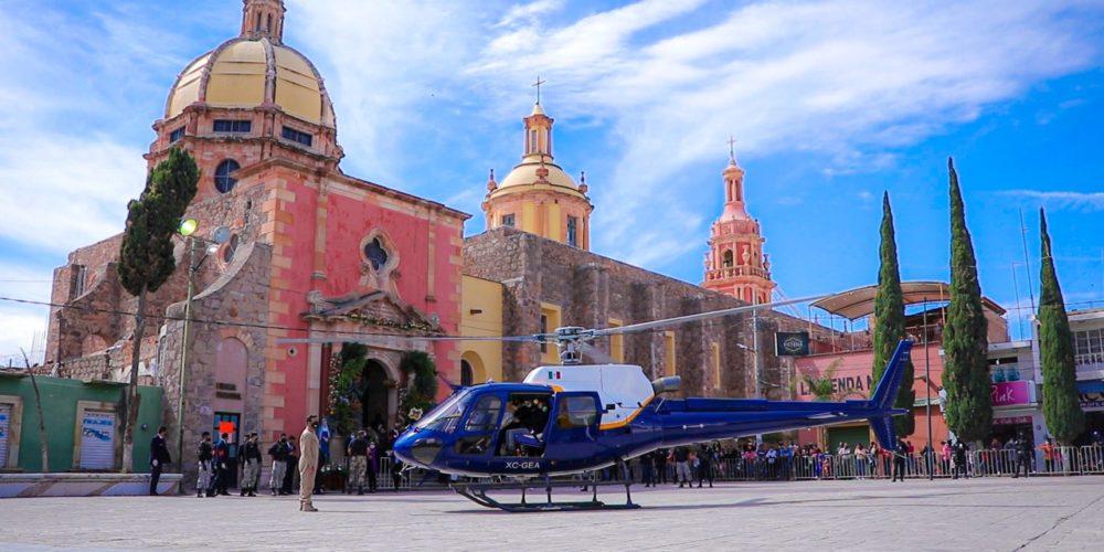 Con helicóptero, realizan recorrido del Señor de las Angustias en Rincón de Romos