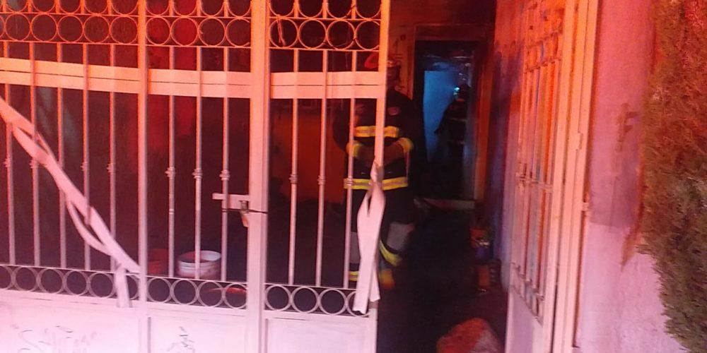Incendio consume domicilio en el fraccionamiento Guadalupe Peralta