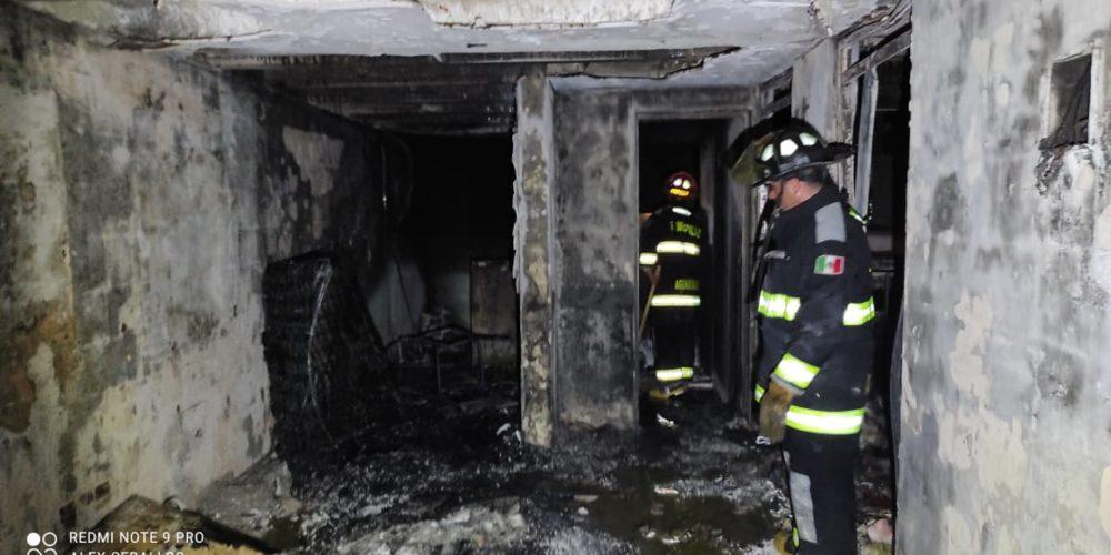 Incendio consume un departamento en la Rodolfo Landeros