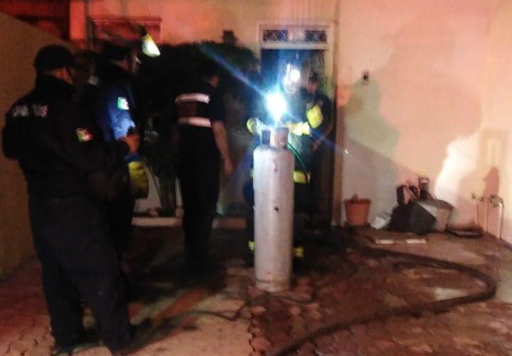 Flamazo en tanque de gas moviliza a bomberos en la colonia Jesús Terán