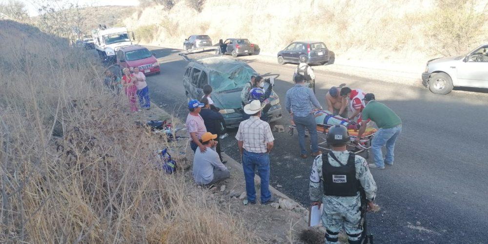 Volcadura en El Taray deja saldo de 3 lesionados, uno de ellos grave