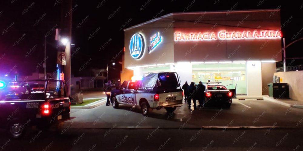 Con pistola de juguete asaltan farmacia, se llevan medicamentos controlados cerca de la Fiscalía estatal